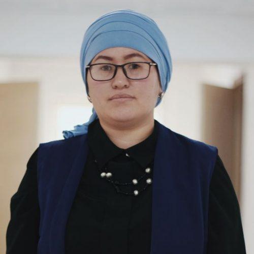 Aisanam Akmatova